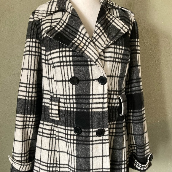 Gently used L JouJou plaid peacoat. Black & White